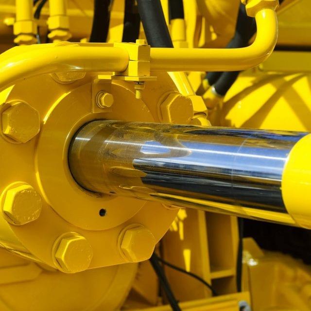 Maxmet 200 epoxy repair fluid for hydraulic ram and piston repair